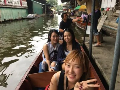 タイの水上マーケットなら、ダムヌンサドゥアック(damnoensaduak)水上マーケットがおすすめです。