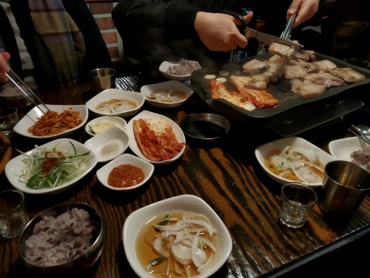 korean bbq seoul hunters food tour
