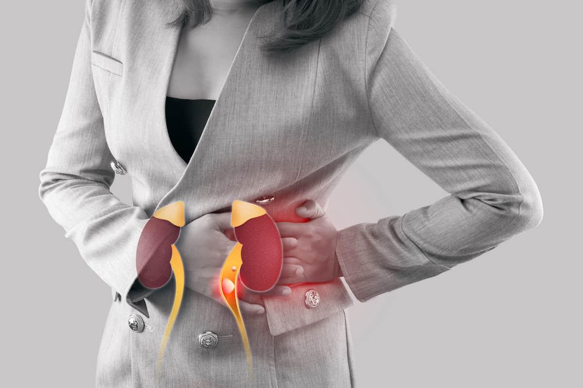Ureteric stone pain: Initial self-management