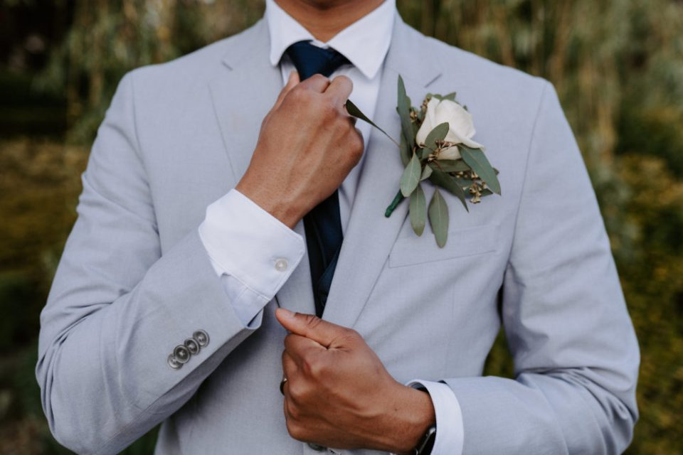 groom suit and tie at eastwind ny