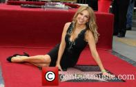 thalia-thalia-is-honored-with-a-star_3983191