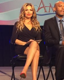 Thalia at 2015 People en Espanol Festival (3)