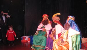 0108_04_Martina, The Little Cockriach and The Three Kings Day Celebration