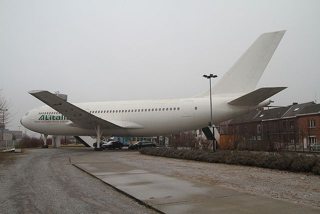 airbus-a310-cafe-gilly-charleroi-belgium-2