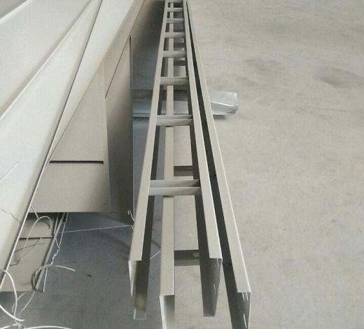 Cable leader, thang cáp 100×100 sơn tĩnh điện giá rẻ