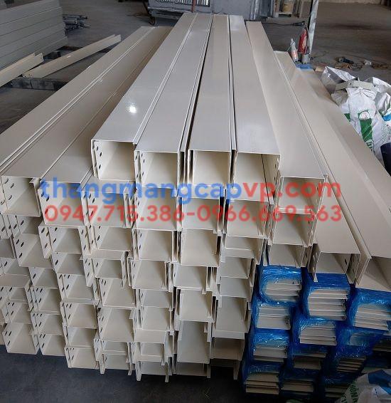 Sản xuất máng cáp 100x100 sơn tĩnh điện màu trắng