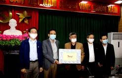 Phó Chủ tịch Thường trực UBND thành phố kiểm tra, động viên và tặng quà các đơn vị, địa phương trong công tác phòng, chống dịch COVID-19