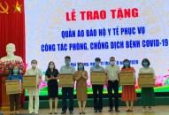Công ty TNHH Environ Star trao tặng 3.000 bộ quần áo phòng hộ chống dịch