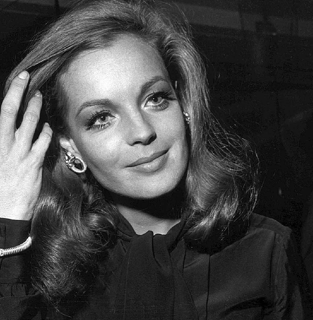 1000 images about R  Romy Schneider on Pinterest  Romy schneider Actresses and Alain delon