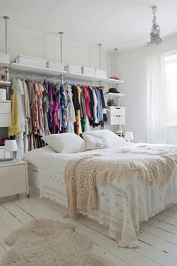 pat in mijlocul unei garsoniere