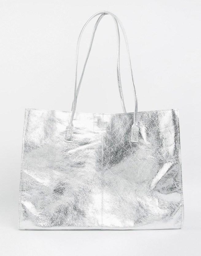 geanta argintie din piele naturala