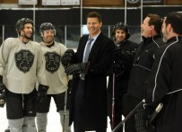 BONES: David Boreanaz (C) and guest star Jeremy Roenick (second from R) in the ÒThe Head in the AbutmentÓ episode of BONES airing Thursday, June 16 (8:00-9:00 PM ET/PT) on FOX. ©2016 Fox Broadcasting Co. Cr: Patrick McElhenney/FOX