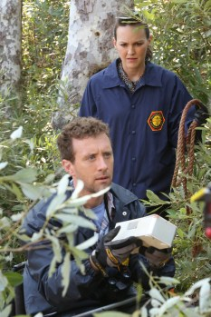 "BONES: L-R: TJ Thyne and guest star Carla Gallo in the ""The Brain in the Bot"" episode of BONES airing Tuesday, Jan. 10 (9:01-10:00 PM ET/PT) on FOX. ©2016 Fox Broadcasting Co. Cr: Patrick McElhenney/FOX"