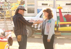 """BONES:  L-R:  David Boreanaz and Emily Deschanel in the """"The Final Chapter:  The Steal in the Wheels"""" episode of BONES airing Tuesday, March 7 (9:01-10:00 PM ET/PT) on FOX.  ©2017 Fox Broadcasting Co.  Cr:  Patrick McElhenney/FOX"""