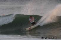 Surfer: Peter Mendia