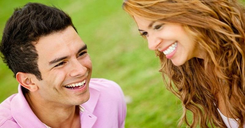 الضحك يساعد في حرق السعرات الحرارية وتخفيف الوزن