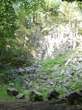 2.5 km-Runde - am Basaltsteinbruch