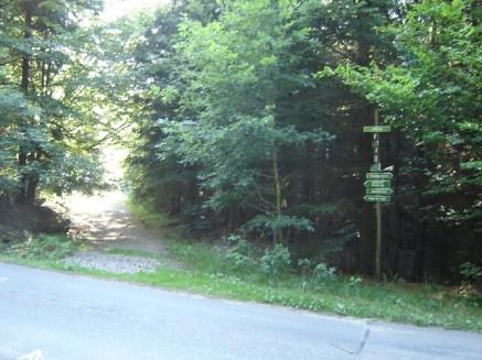 2.5 km-Runde - das erste Mal ueber die Strasse