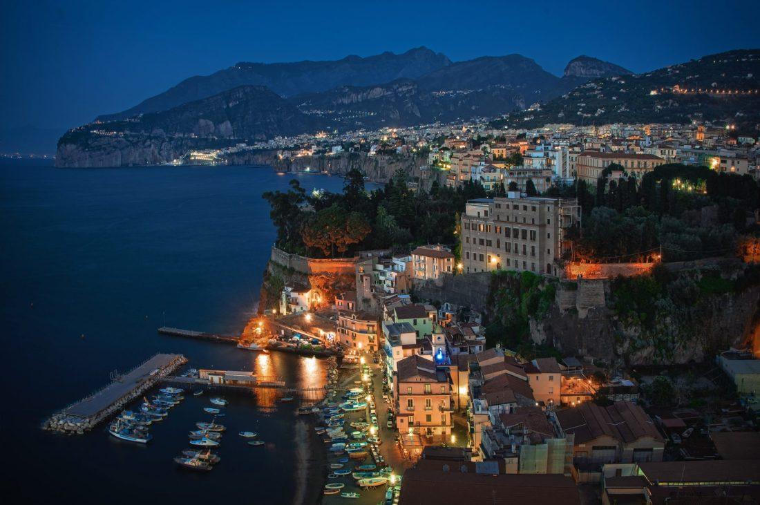 Houses_Coast_Italy_469570