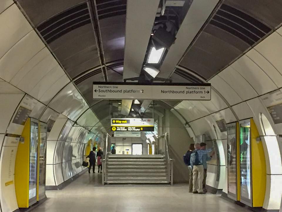 London Underground direction signs