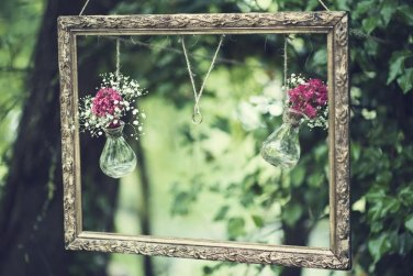 rustic themed wedding inspiration - DIY photobooth