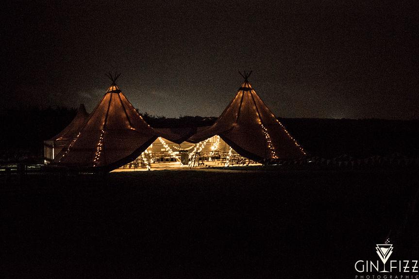 B&N wedding - castle view farm & stables = tipi wedding - tipi at night