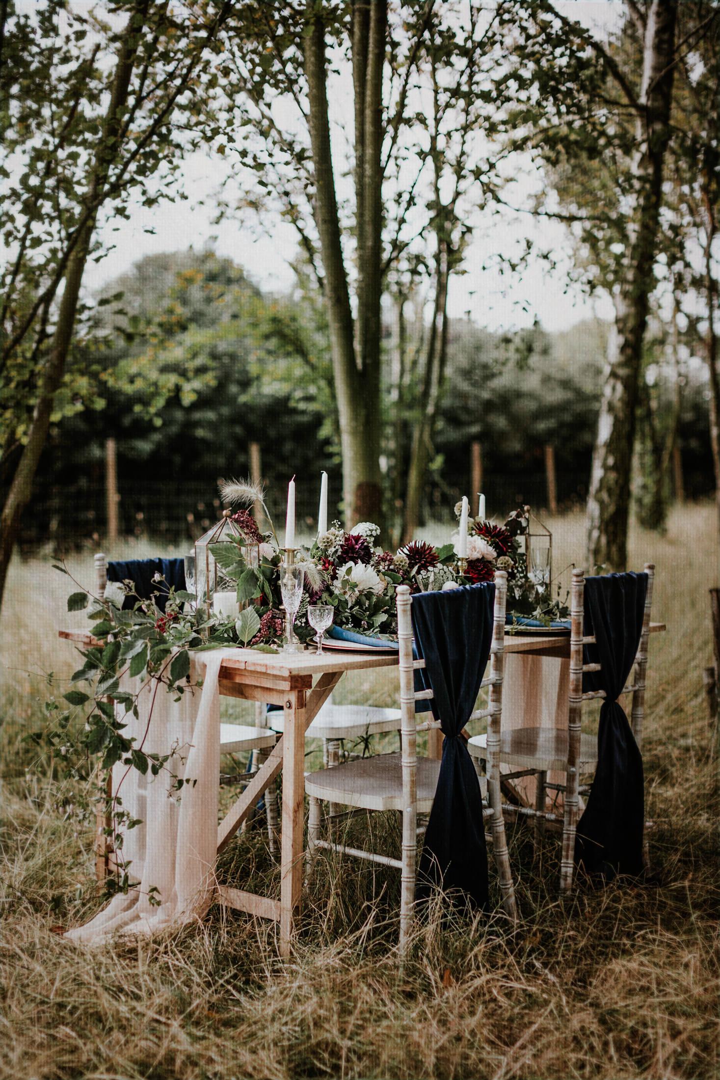Woodland Wedding - nottingham outdoor wedding venue - east midlands wedding planner - outdoor wedding styling - bohemian forest wedding - outdoor wedding table
