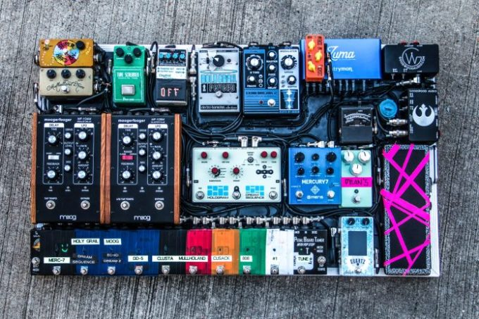 Delay Pedals for Worship: What you really need  - That Delay