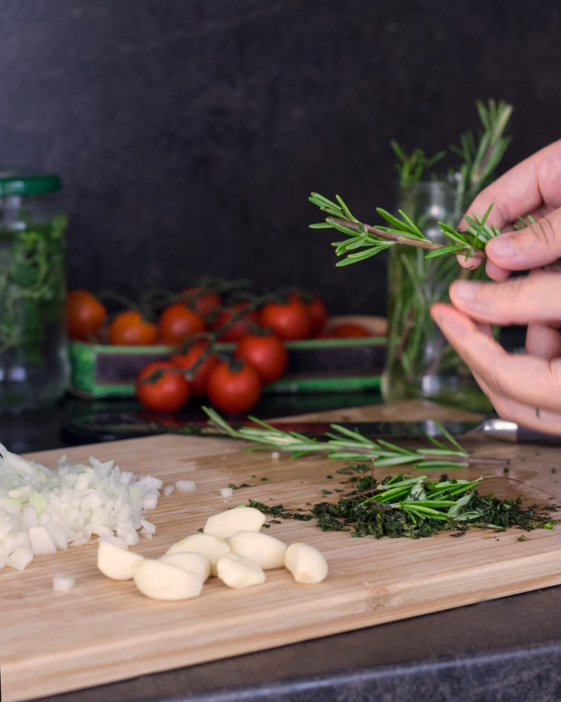 Roasted Cherry Tomatoes Pasta - process shots