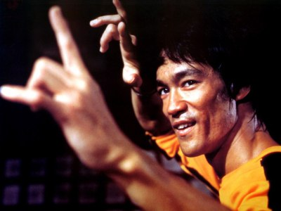 bruce-lee-2 yellow track suit kung fu