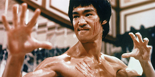 bruce lee enter the dragon ready to strike