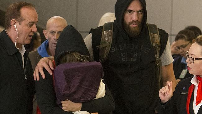 ronda rousey and travis browne return from australia LAX