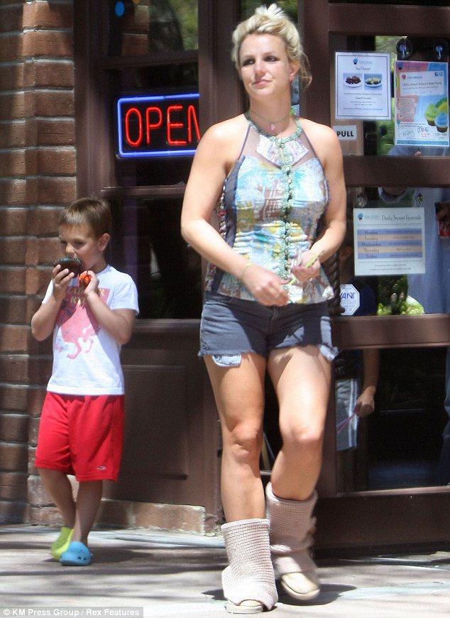 Hot Shots Britney Spears Takes It Easy In Santa Barbara