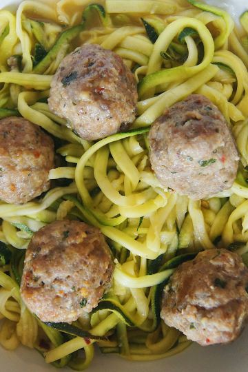 Turkey-Meatballs-and-Zoodles-in-a-bowl-with-fork