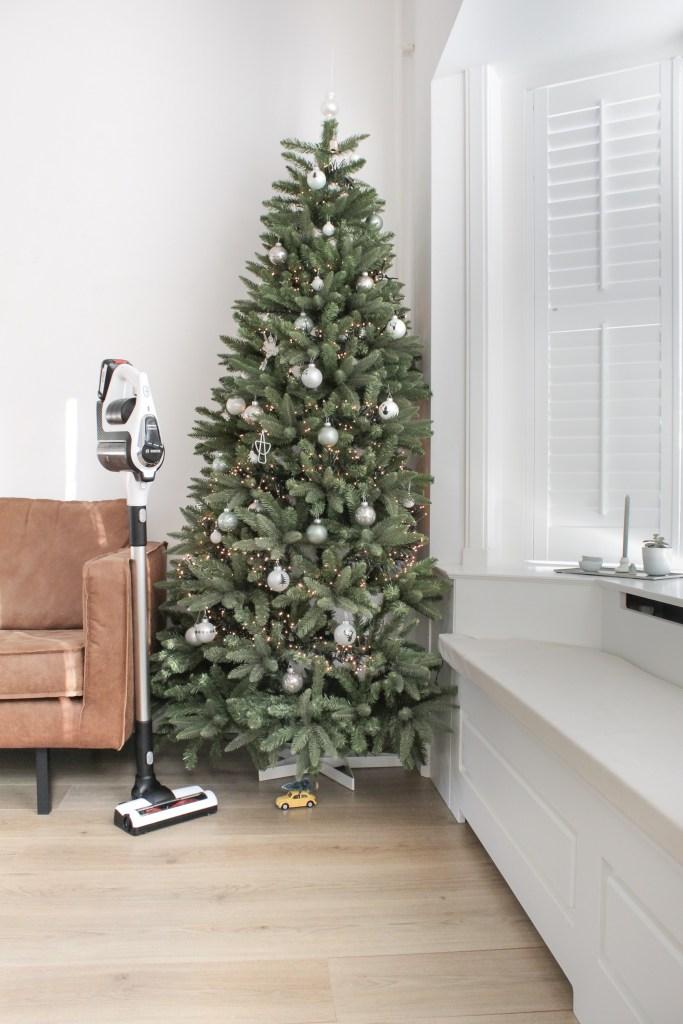 Bosch, Bosch Unlimited, Bosch stofzuiger, stofzuiger, Bosch Unlimited stofzuiger, stofzuigen, snoerloos stofzuigen, snoerloze stofzuiger, snoerloos, kerstboom, kunstkerstboom, interieur, thathomepage