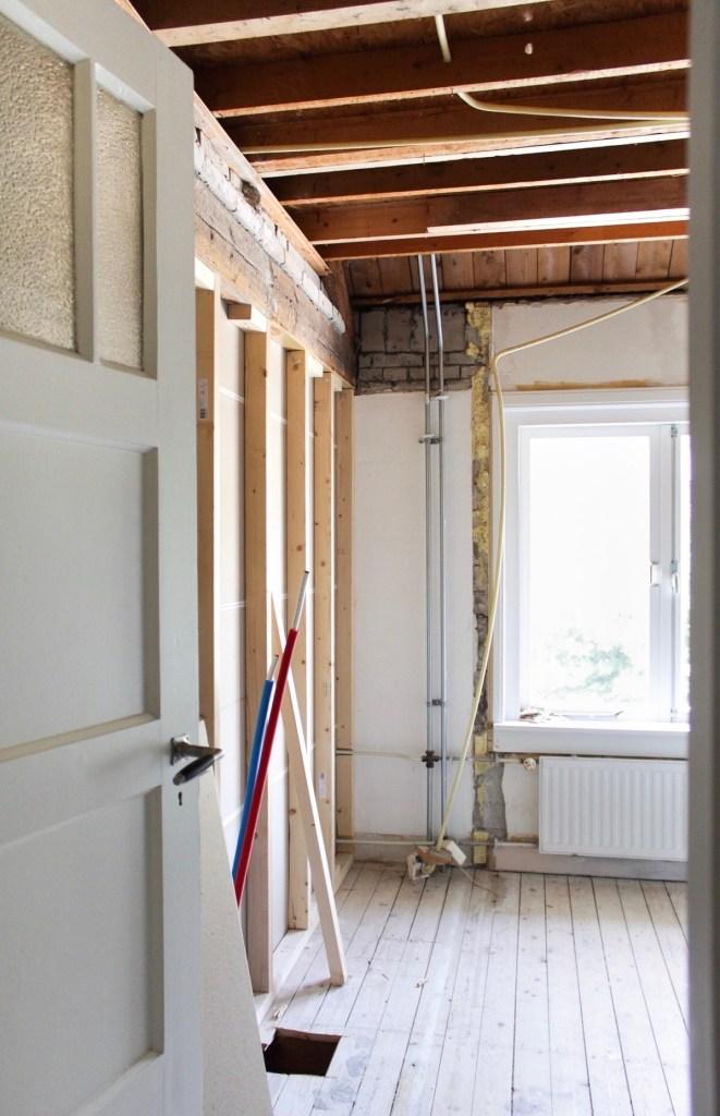 badkamer, verbouwen, verbouwing, klushuis, van slaapkamer naar badkamer, badkamer bouwen, jaren 30 huis, klussen, doe het zelf