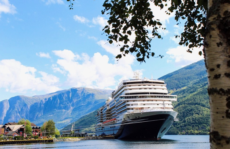 Holland America Line, Nieuw Statendam, HAL, cruise, cruiseschip, reizen per cruise, reizen met een cruise, fjordencruise, Noorwegen cruise, cruise naar Noorwegen, thathomepage, (th)athomepage, liggend reizen