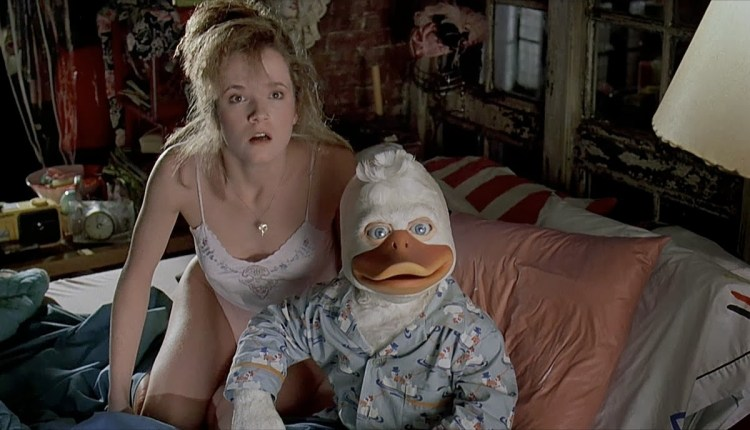 howard-the-duck-movie-beverly-bed23