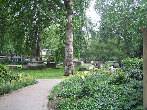 greenery, trees and graves in St George's Gardens