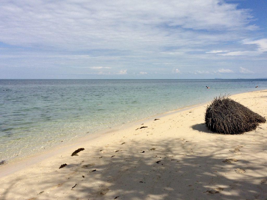 Het prachtige Turtle Island nabij Sandakan, Maleisisch Borneo