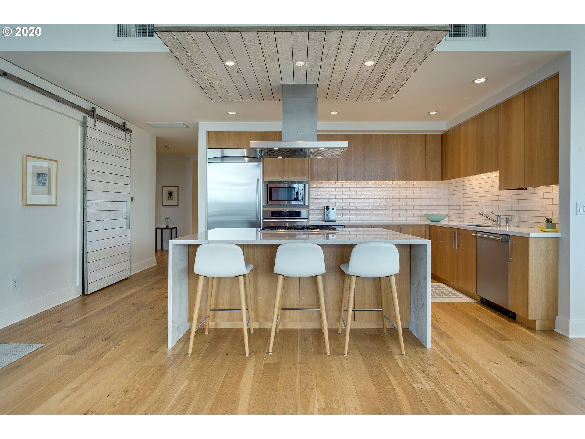 the strand kitchen
