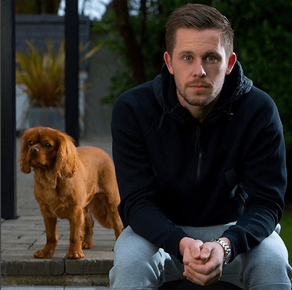 gylfi and his dog