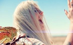 Kesha singing