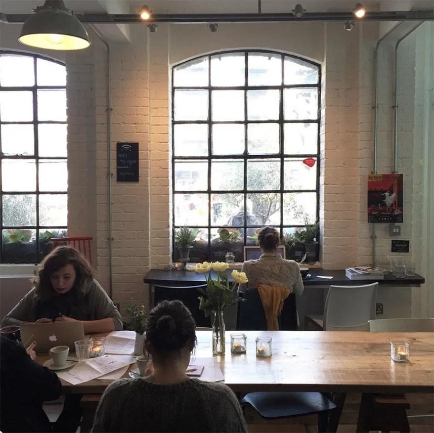 hej_bermondsey_coffee_house_interior_windows
