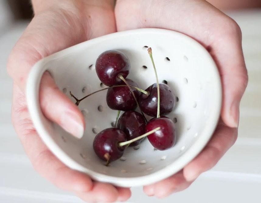 etsy_berry_bowl_nordic_handmade_ceramics_fringeandfettle