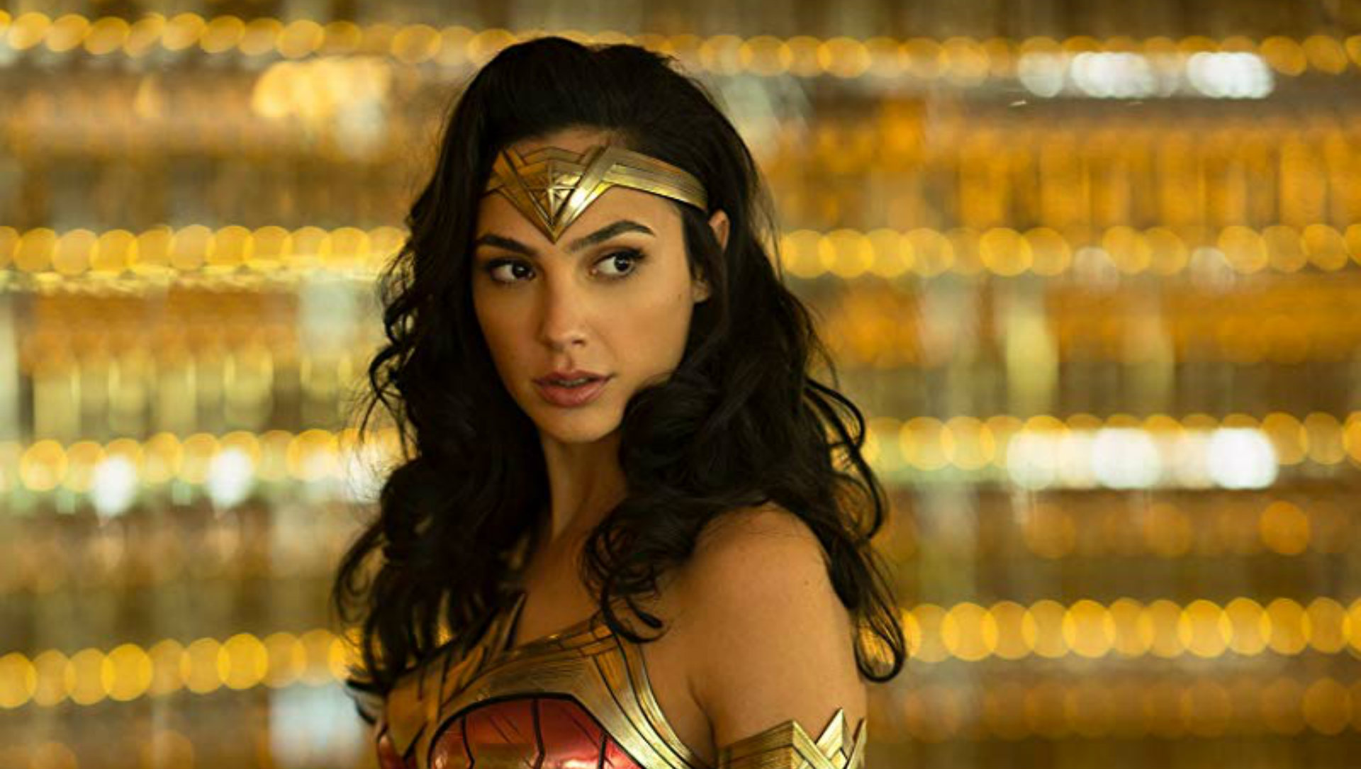 Diana Prince Goes '80s Chic in Wonder Woman 1984 Trailer