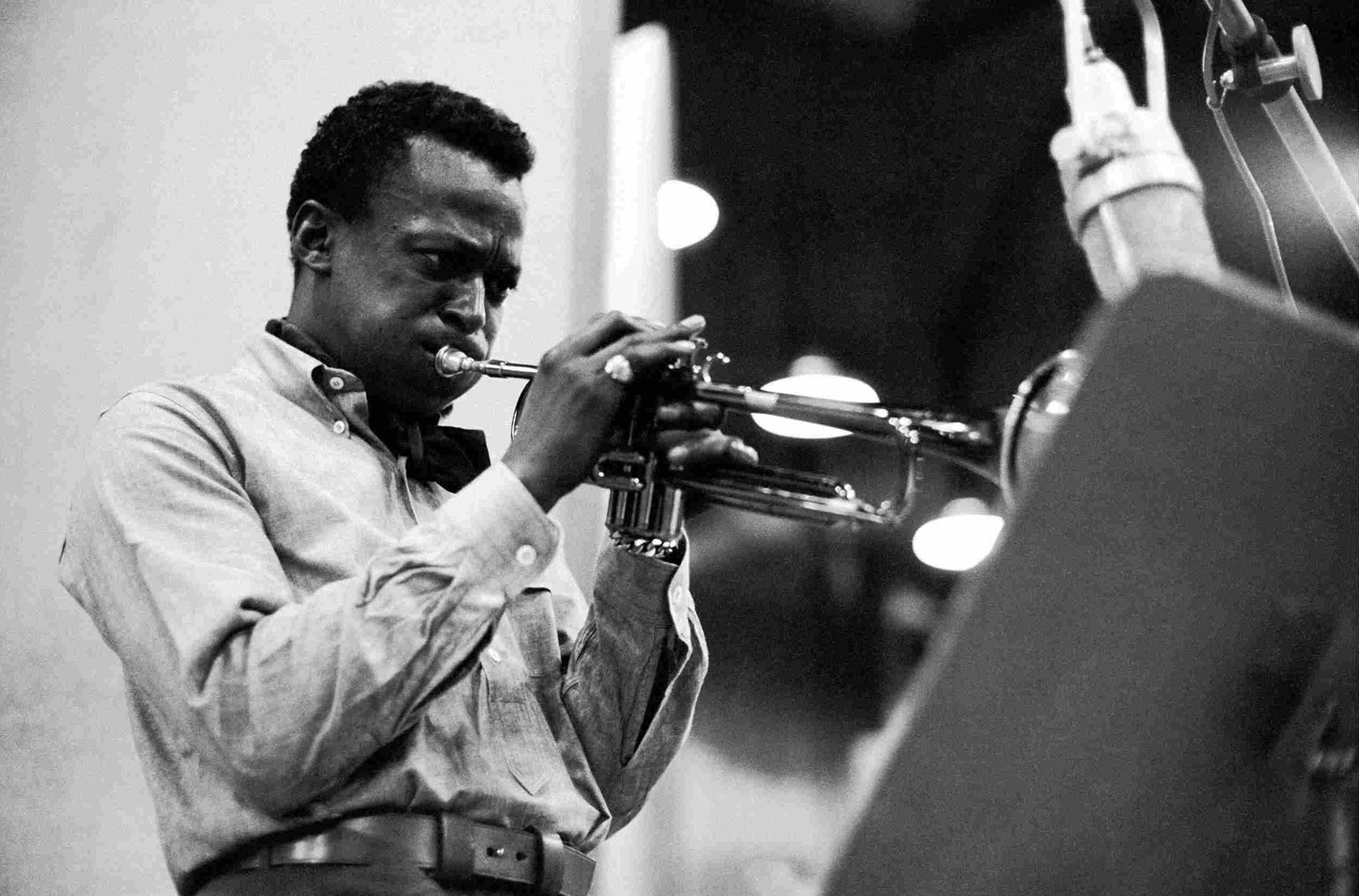 Unboxing and Unpacking Miles Davis' Kind of Blue LP