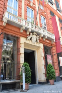 entrance Palazzo Rosso