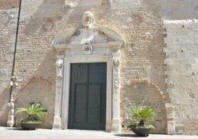 cathedral fasade Albegna