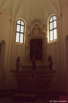 altar in st Katherin church